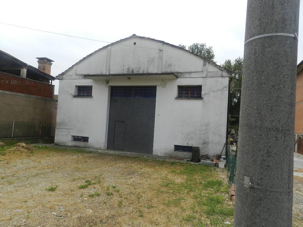 capannone Ferrara / Porotto